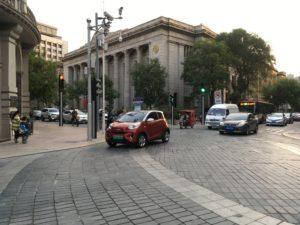 津湾広場駅付近の街並み