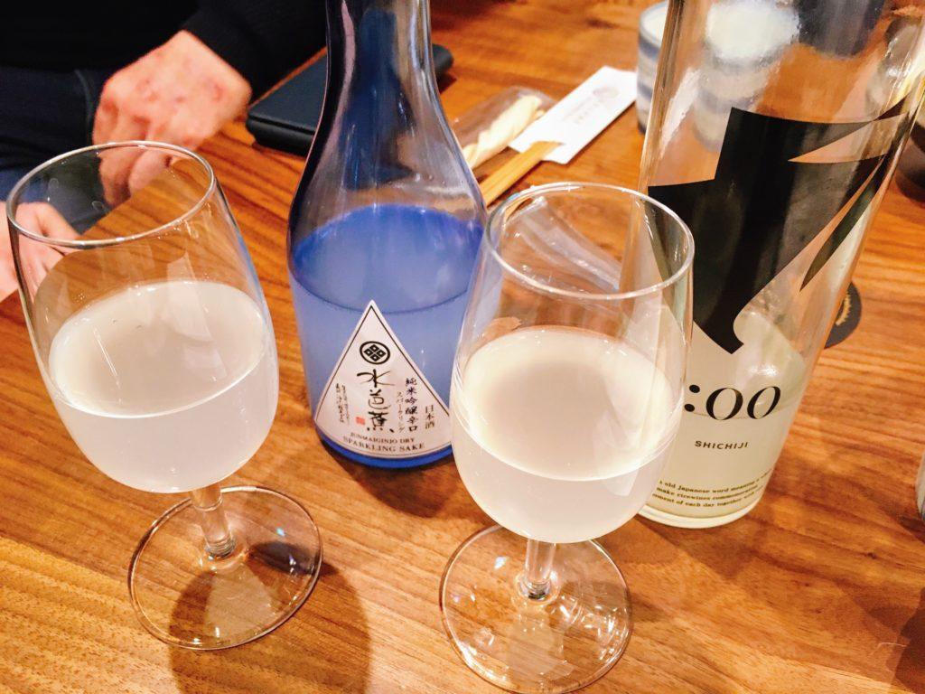 「未来日本酒店&SAKE BAR」の「HINEMOS SHICHIJI」と「水芭蕉純米吟醸辛口スパークリング」