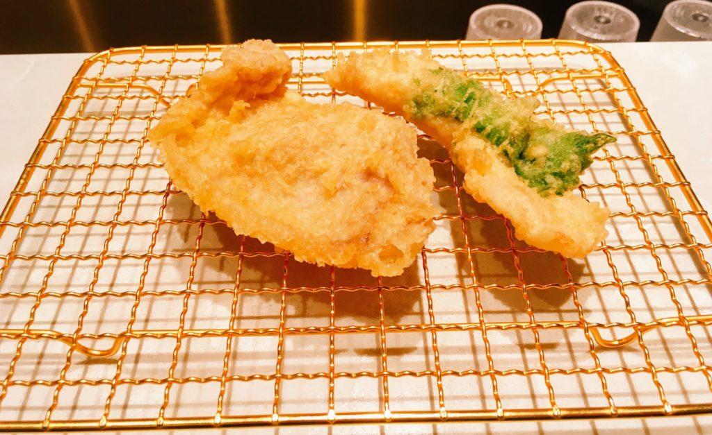 博多天ぷらたかお渋谷パルコ店の豚肉とささみ大葉巻きの天ぷら