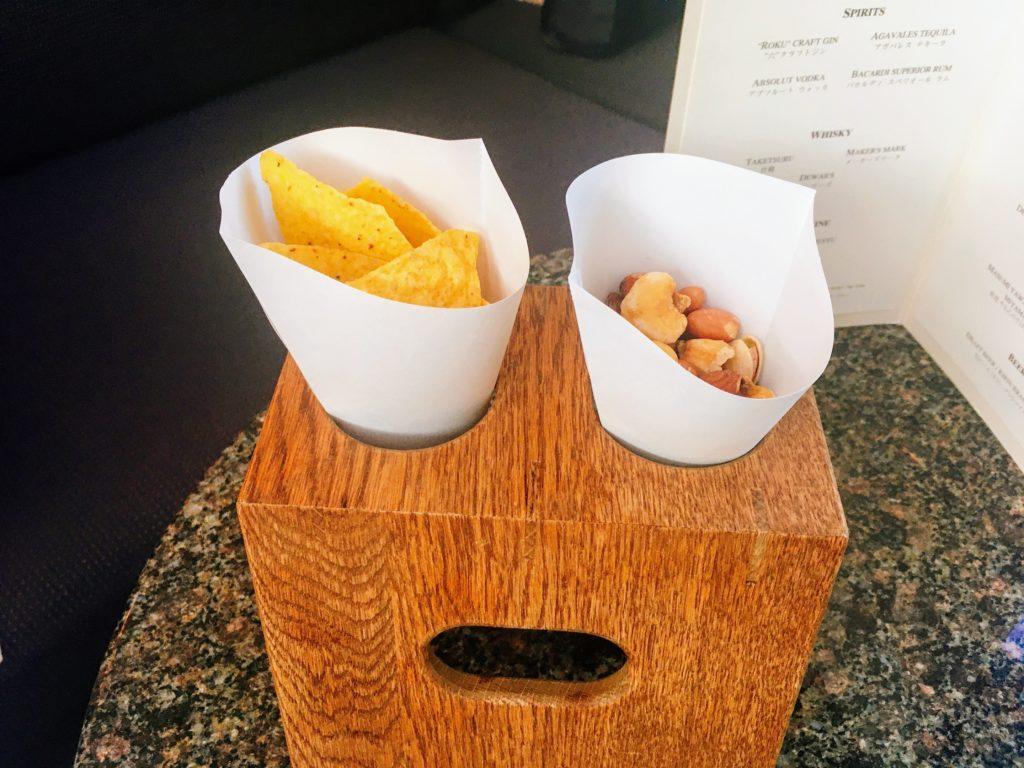 ピークバーのナッツとチップス