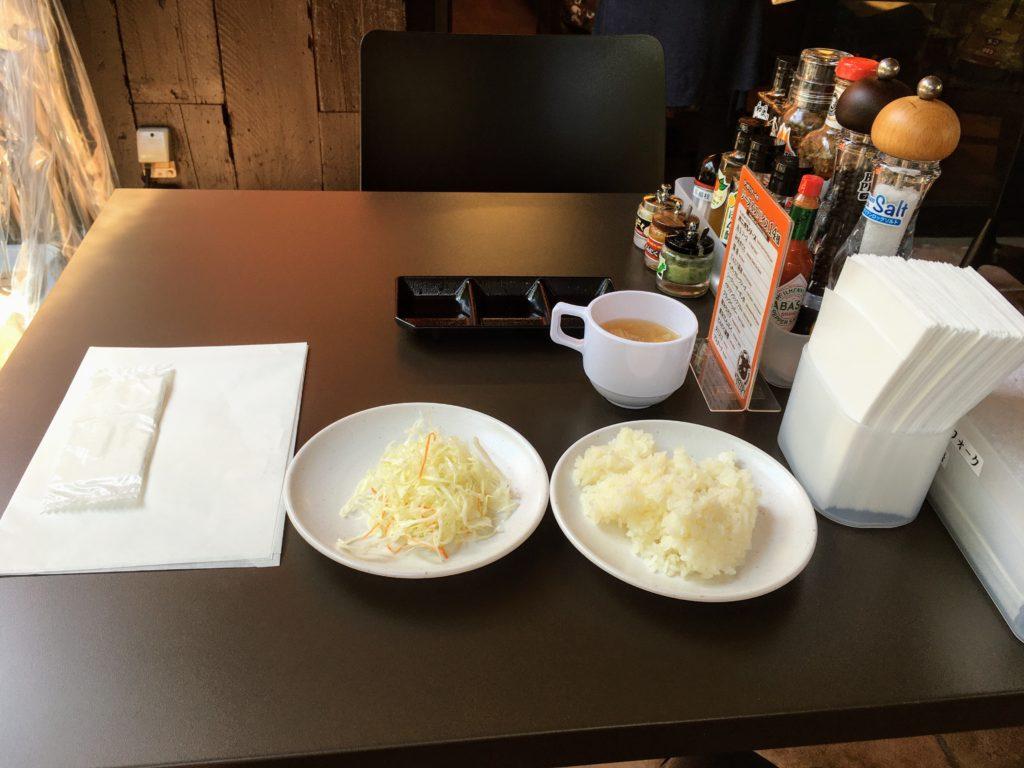 やっぱりステーキ吉祥寺店のテーブル
