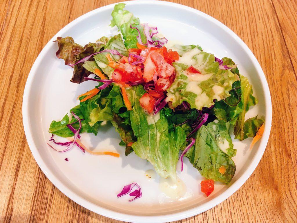 「Ostrea(オストレア)新宿住友ビル店」のランチのサラダの写真