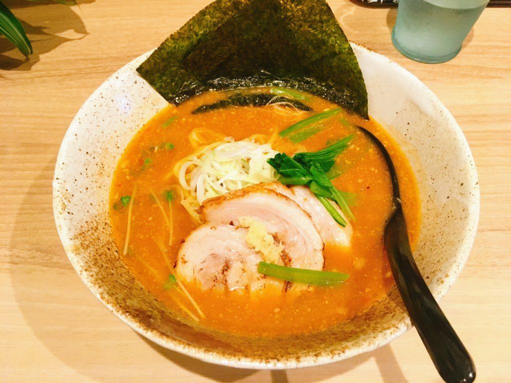「Ladies & じぇんとる麺」の「味噌ラーメン」