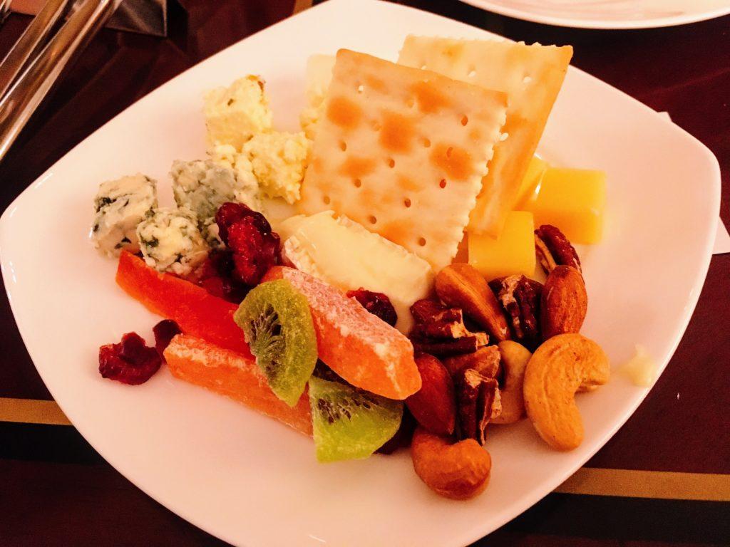 「マーブルラウンジ」のチーズ盛り合わせ