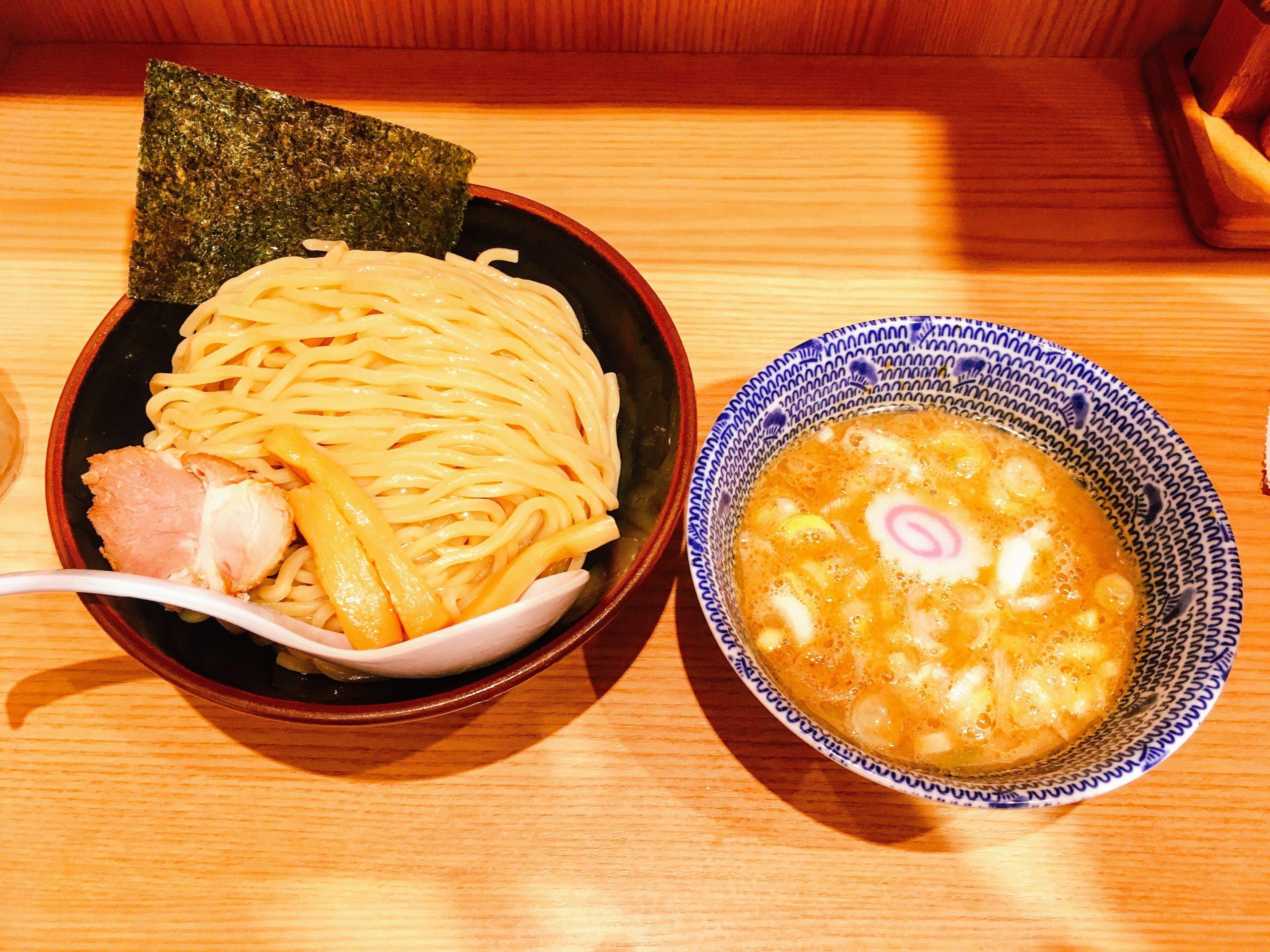 「舎鈴 新宿西口店」の「つけ麺」
