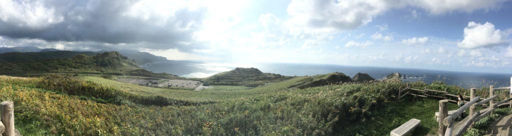 神威岬の丘の上からの写真