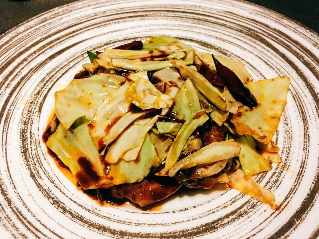 「王朝」の回鍋汁肉(豚肉とキャベツの辛し味噌炒め)