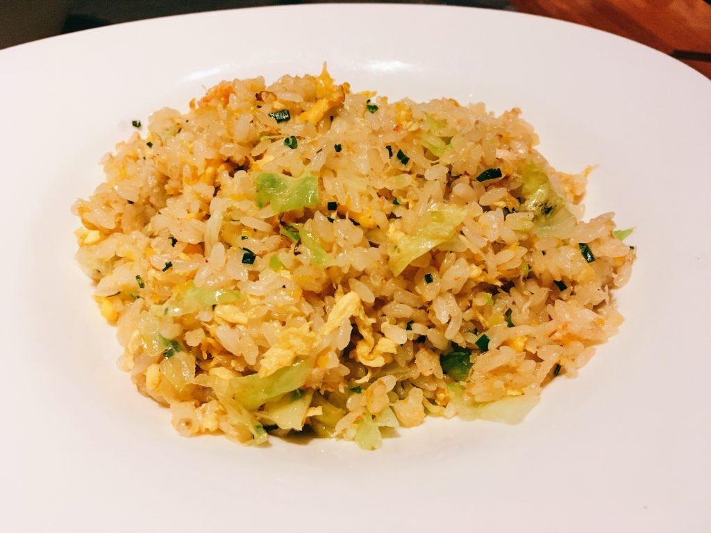 「王朝」の蟹粉生菜炒飯(蟹肉とレタス入り炒飯)