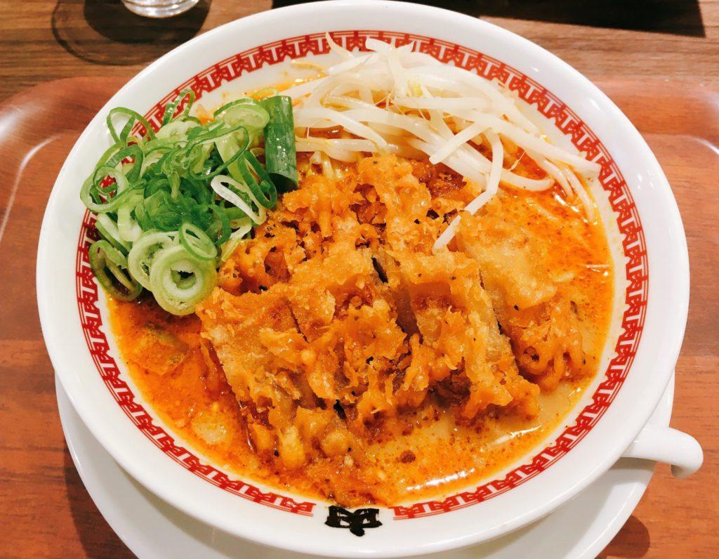 「肉汁麺ススム 下北沢店」の「肉汁パーコー担々麺」の写真