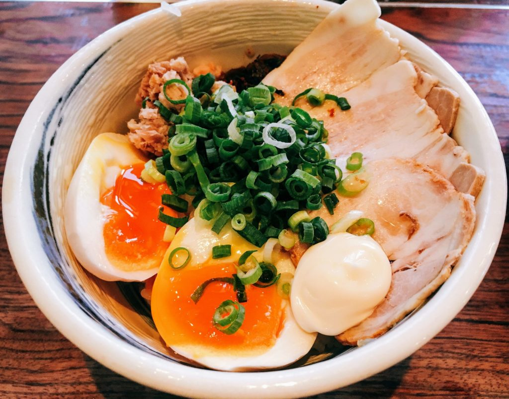 「博多一双 博多駅東本店」の「まかない丼」の写真