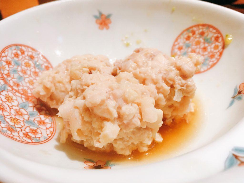 「博多水炊き専門 橙」の「水炊き」のつくねの写真