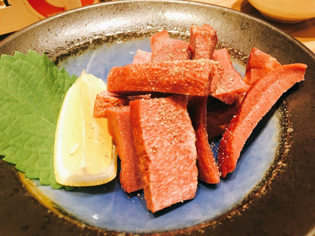 「博多たんか」の牛たんの燻製