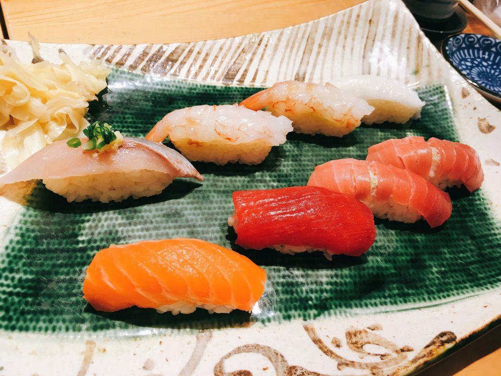 「意気な寿し処阿部 虎ノ門ヒルズ店」の寿司の写真