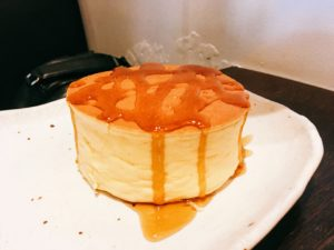 「CAFE SALON SONJIN」のホットケーキの写真
