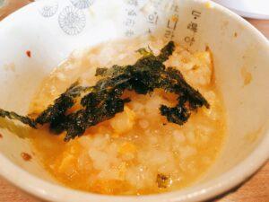 「のげとりとん 野毛店」のタッカンマリのカルクッスの雑炊の写真