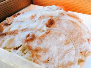 「羅豚 ギンザ・グラッセ」の黒豚のせいろ蒸し御膳の写真