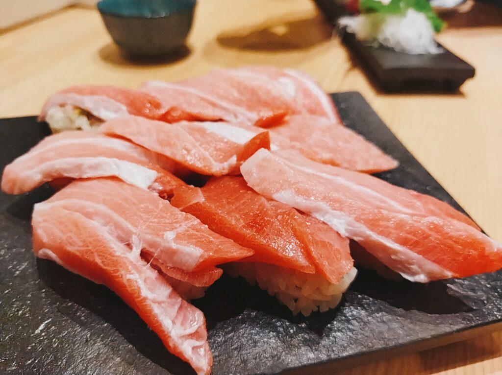 「鮨・酒・肴 杉玉 日吉」の「本鮪 大トロ」の写真