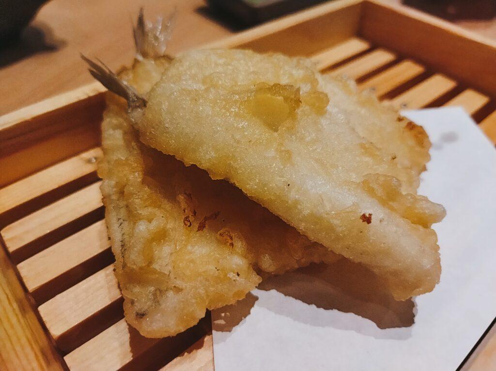 「鮨・酒・肴 杉玉 日吉」の「キスのてんぷら」の写真
