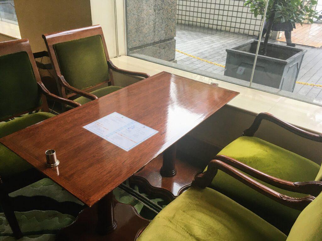 「アボリータム」の席の写真