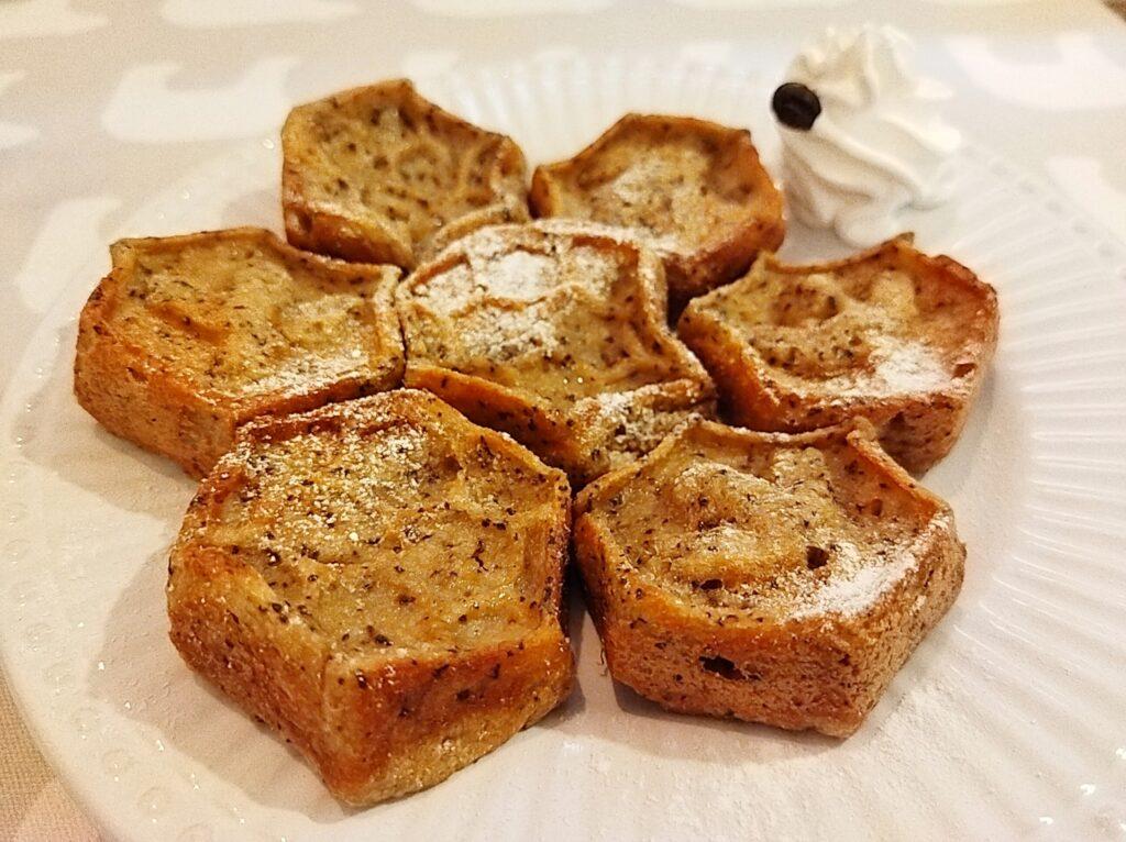 「はちくまカフェ 池袋店」の「紅茶のハニーフレンチトースト」の写真