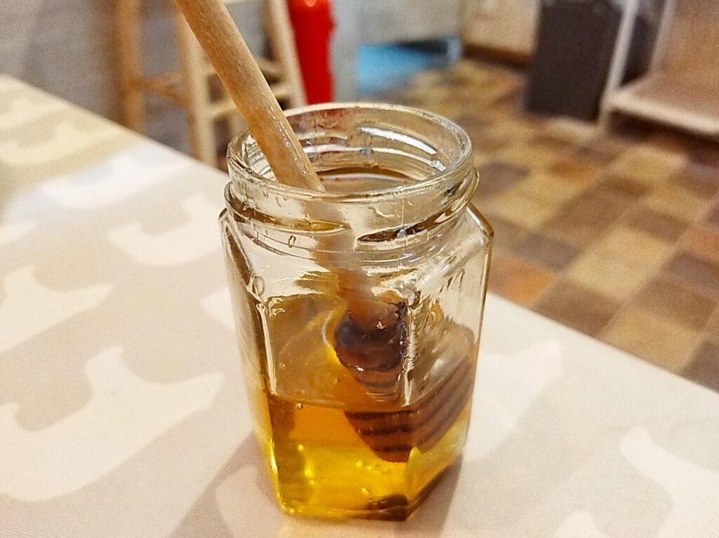 「はちくまカフェ 池袋店」の蜂蜜の写真