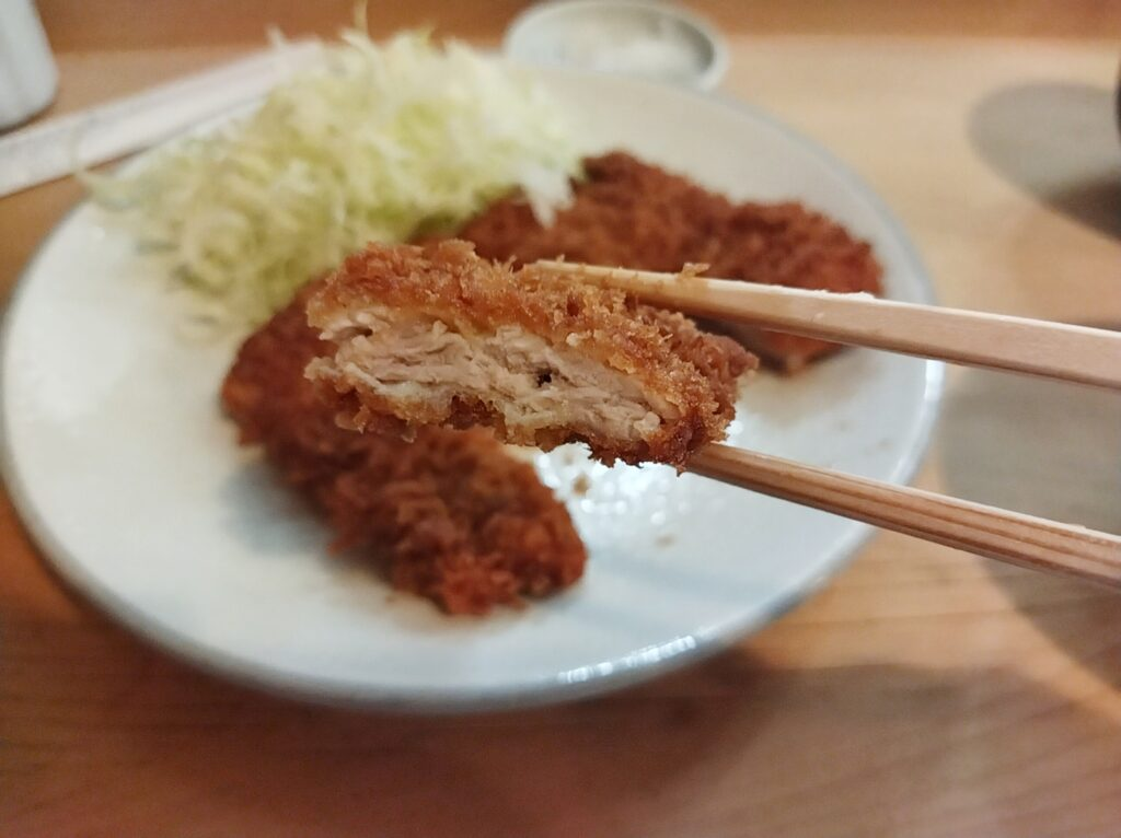 「勝烈庵 馬車道総本店」の「勝烈定食」の写真