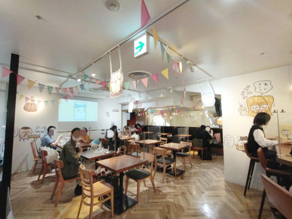 「ちいかわカフェ」の店内写真