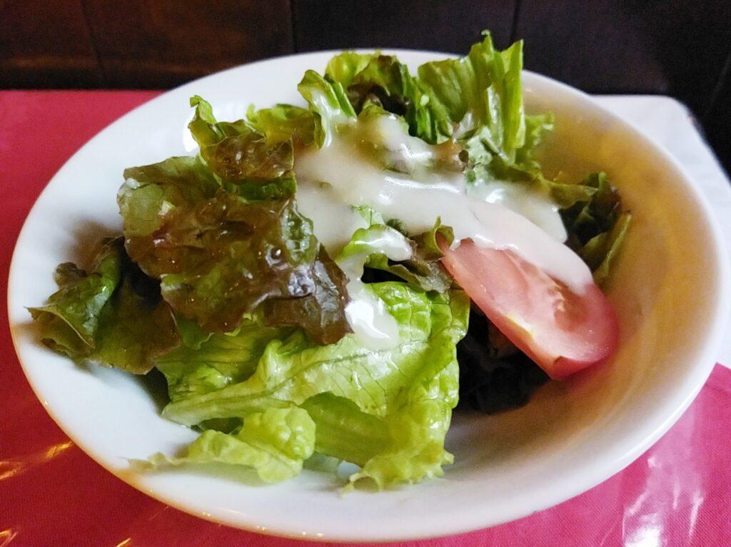 「グリル・エス」のサラダの写真