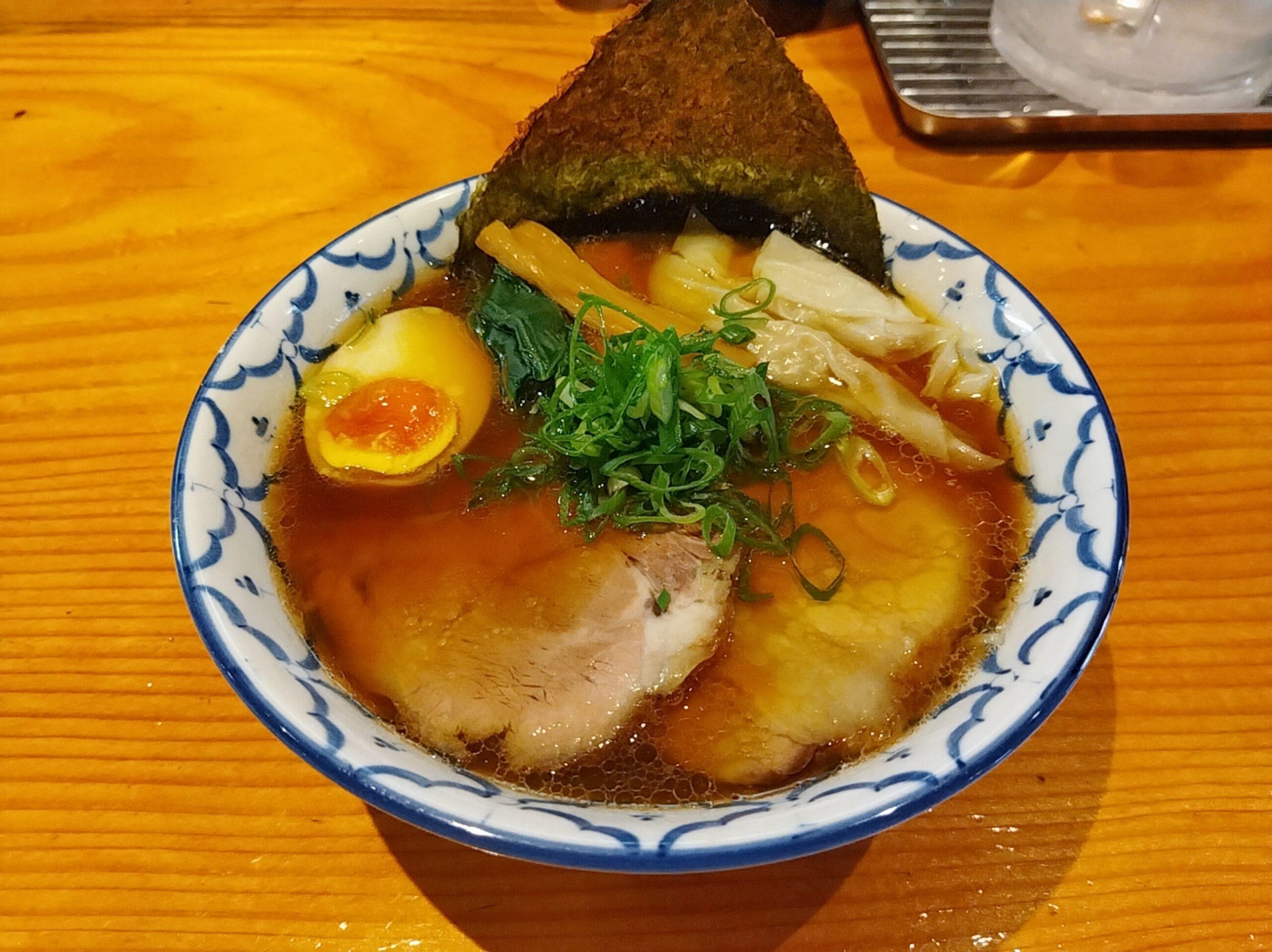 「拉麺 弁ten」の「特製醤油らーめん」の写真