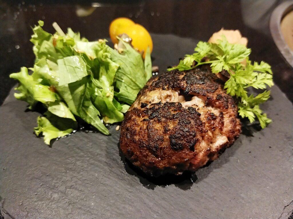 「焼肉ステーキあつし」のハンバーグの写真