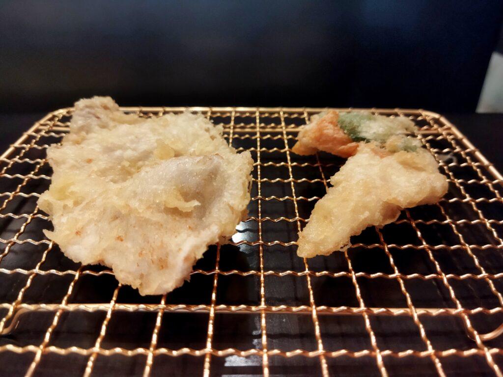 「博多天ぷらたかお 横浜馬車道店」の豚肉とササミ大葉巻きの写真