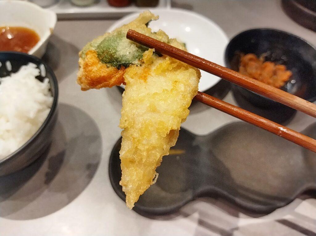 「博多天ぷらたかお 横浜馬車道店」のササミ大葉巻きの写真