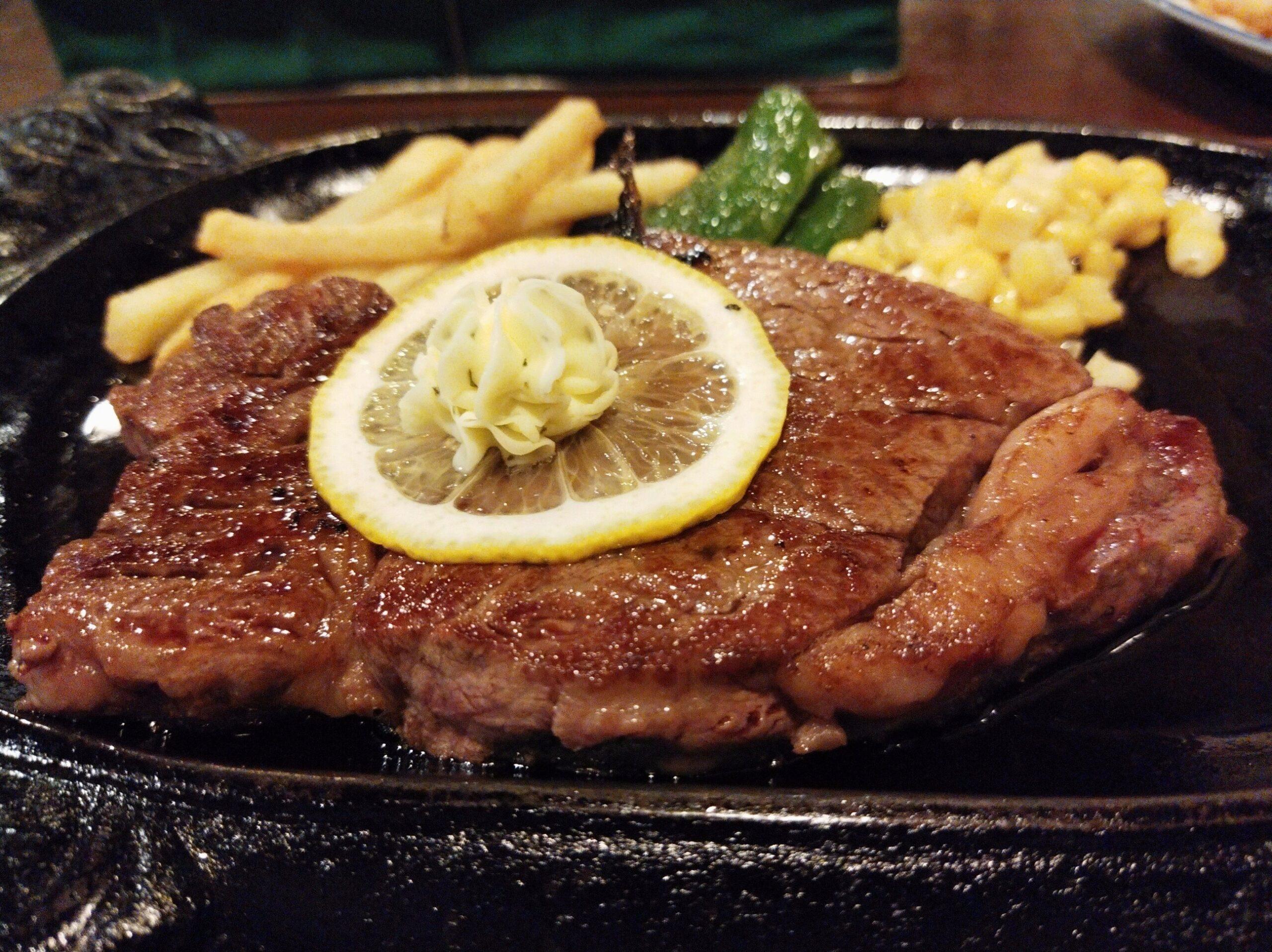 「トルーヴィル」の「牛ヒレ ステーキ」の写真