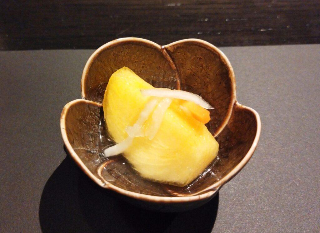 「焼肉 牛印 新宿店」の柿の水キムチの写真